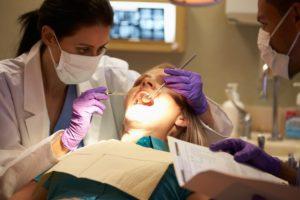 دراسة طب الأسنان في ماليزيا